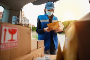 שירותי משלוחים לעסקים ופרטיים